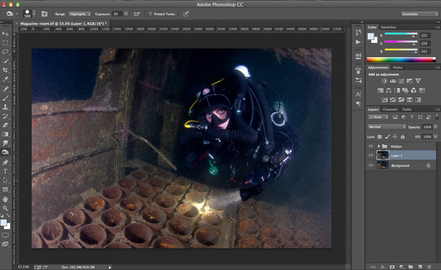 Backscatter removal tutorial: Using the Burn Tool to remove backscatter in Photoshop.